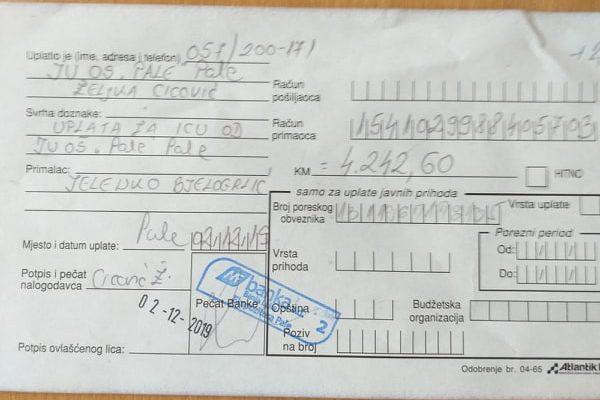 """Ученици и колектив ОШ """"Пале"""" прикупили 4. 242 КМ за лијечење Иване Бјелогрлић"""